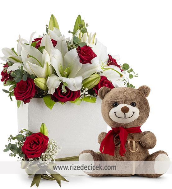 Kutuda Ayıcıklı Kokulu Çiçekler
