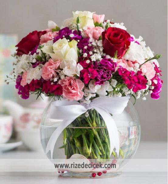 Fanusta Renkli Çiçekler